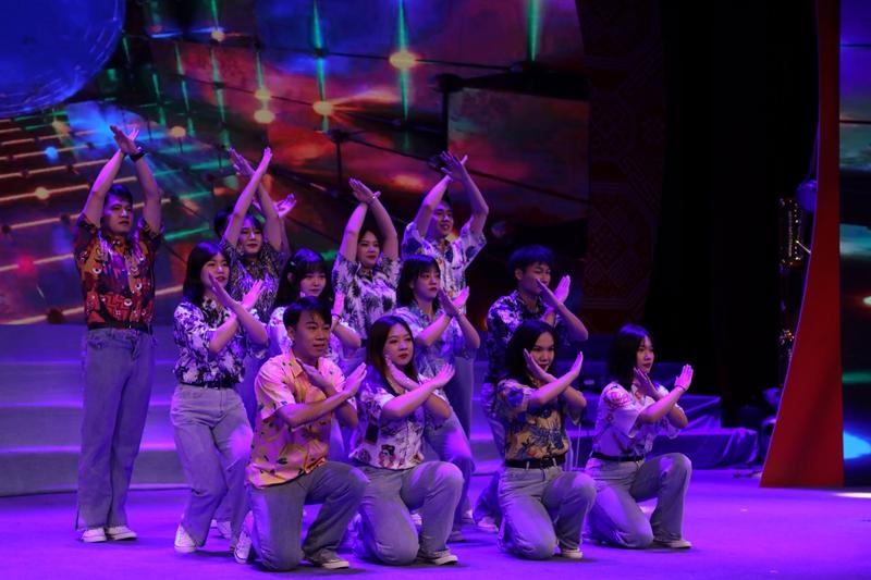 舞蹈《复古派对》.JPG